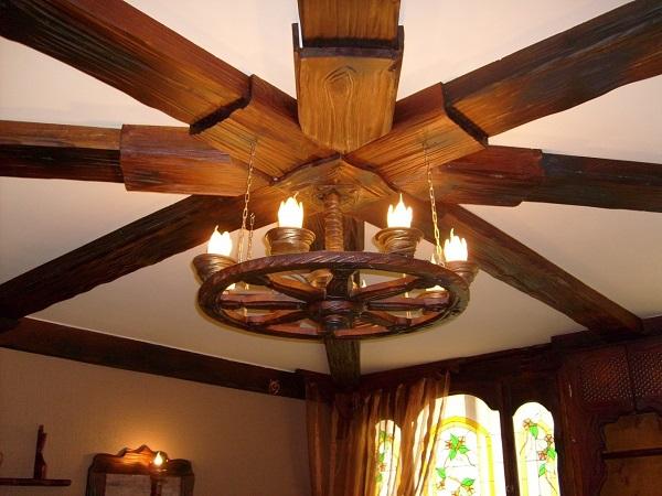 Осветительные приборы из дерева являются олицетворением домашнего уюта