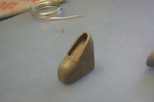 Готовая туфелька из полимерной глины