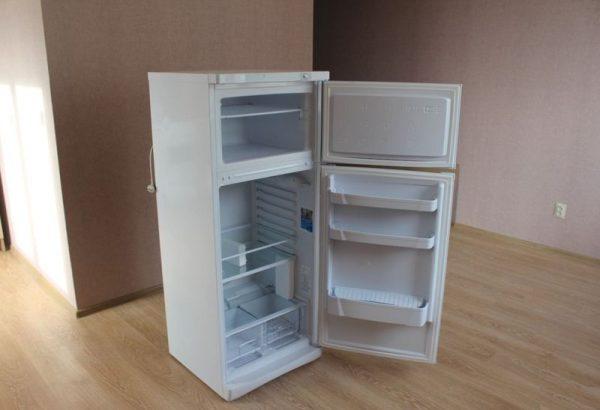 Холодильник, отключённый от сети
