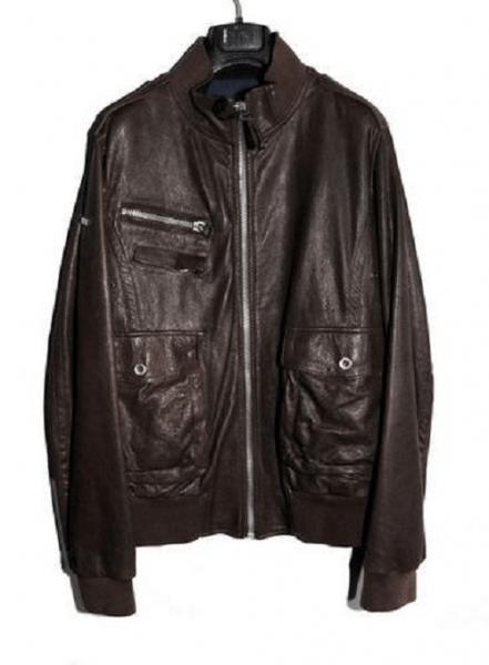Кожаная куртка на тремпеле