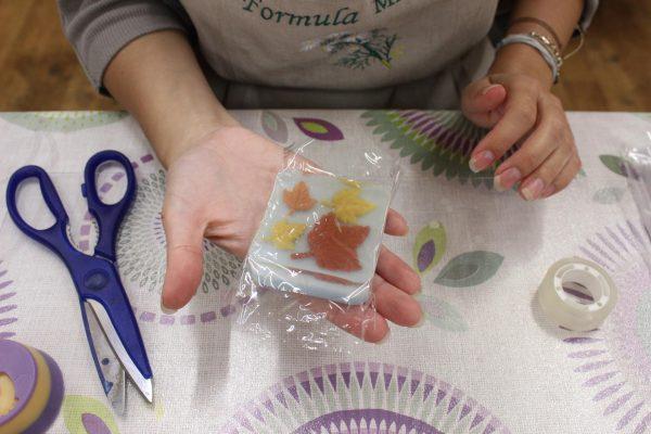 Мыло в полиэтиленовой плёнке