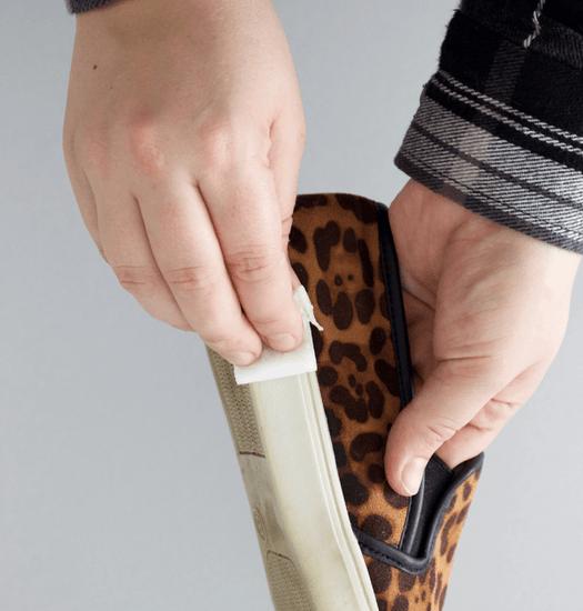 Очистка обуви кусочком меламина