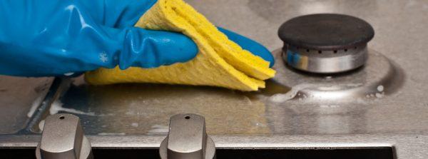 Очистка поверхности газовой плиты