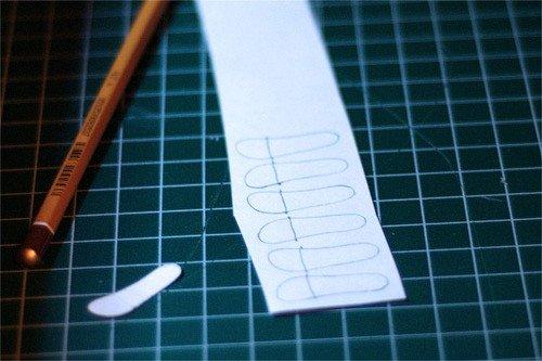 Подготовка будущих стелек к склеиванию