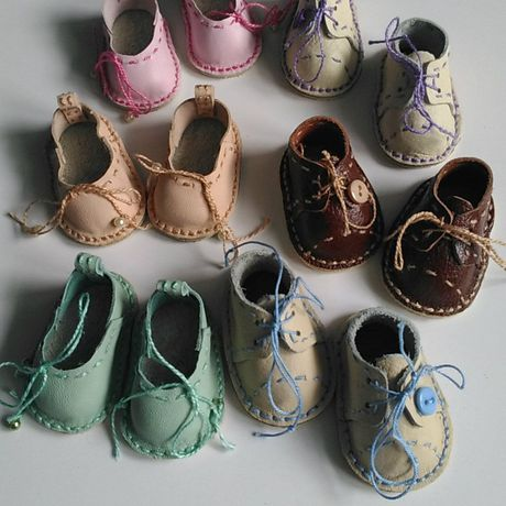 Туфельки для куклы из кожи