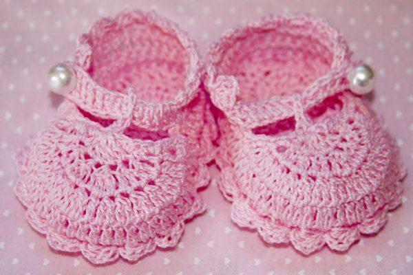Вязанные туфли для куклы