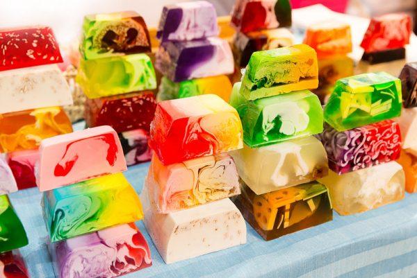 мыло разных цветов