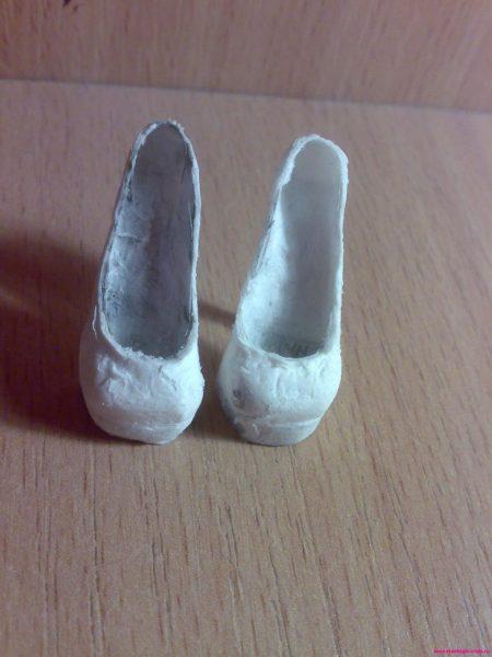 Законченные туфли из папье-маше