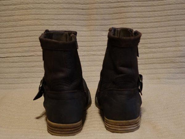 Ботинки из промасленного нубука