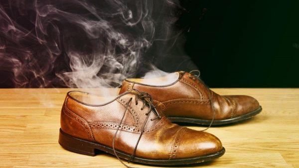 Мужские ботинки «дымятся»