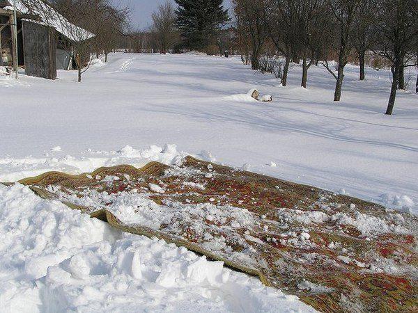 Чистка на снегу