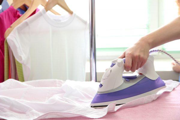 Гладить белые вещи