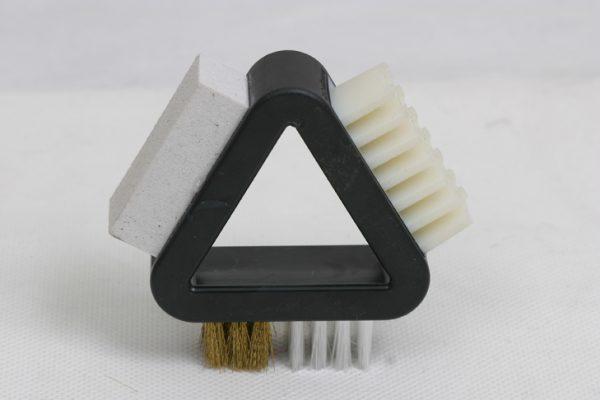 Треугольная щётка для замши