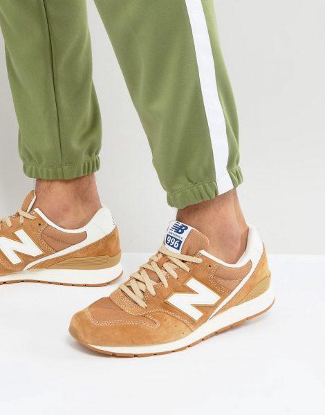 Светлые замшевые кроссовки