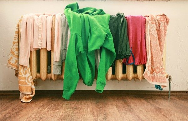 Сушка одежды на батарее