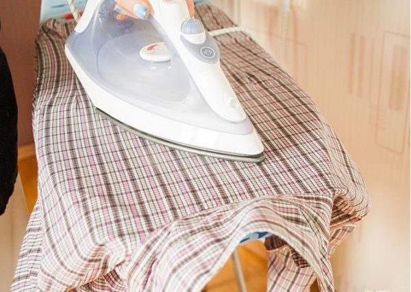 Глажка спинки женской рубашки