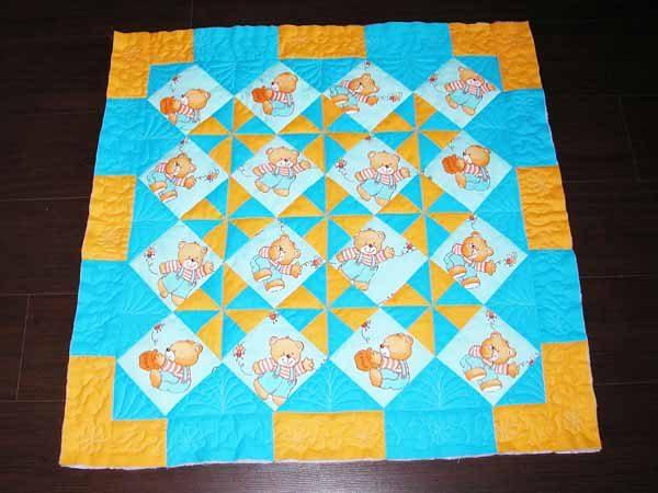 Готовое лоскутное одеяло для малыша