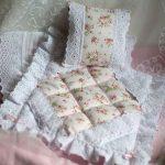 Одеяло, декорированное кружевом