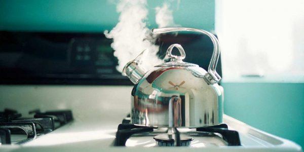 Закипевший чайник