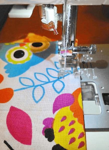 Зашивание отверстий с помощью швейной машинки