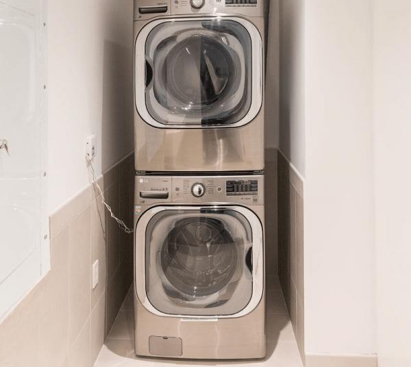 Сушильная машина на стиральной