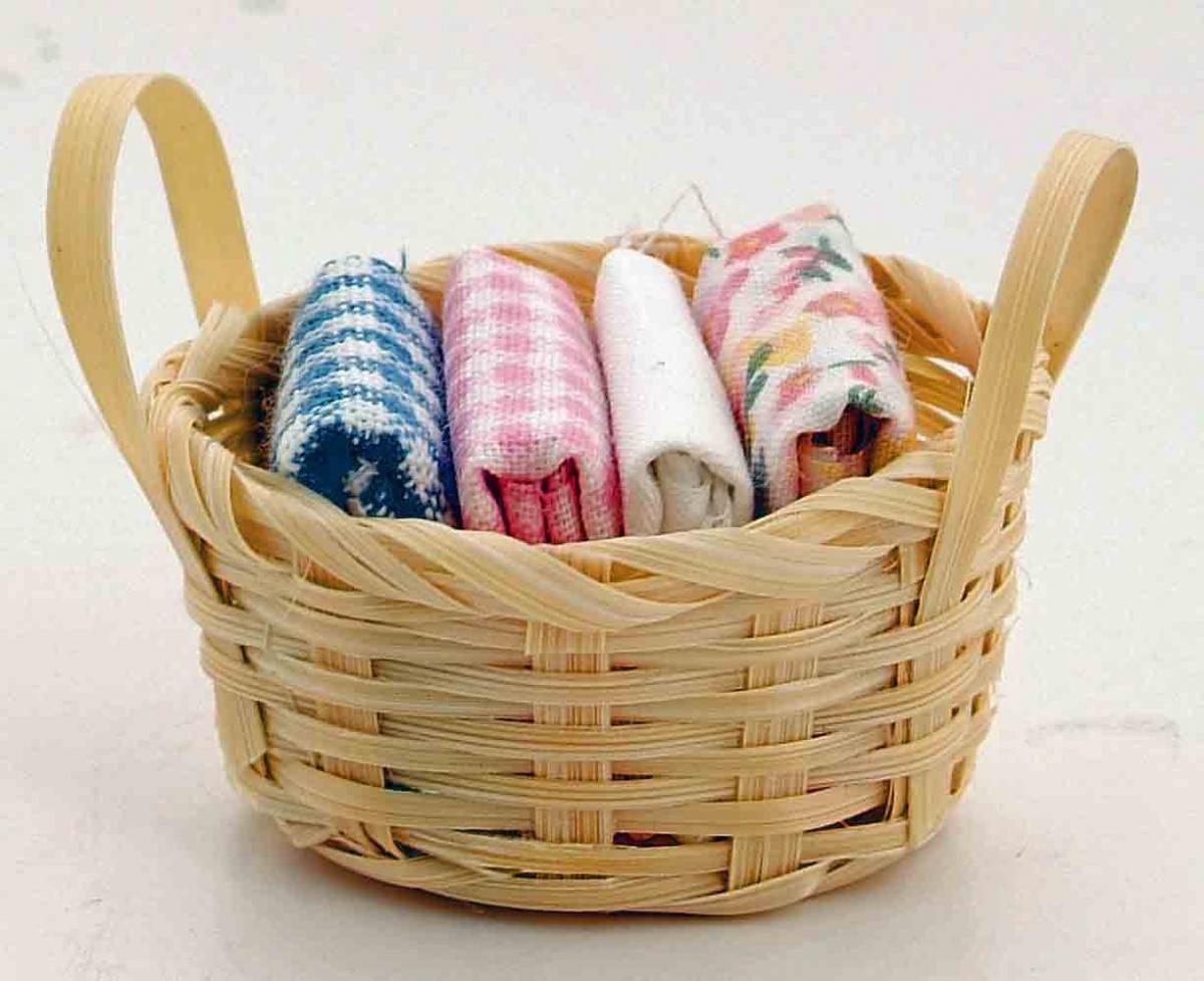 Зачем и как кипятить бельё: методы для белых, цветных и детских вещей