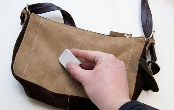 Чистка замшевой сумки ластиком