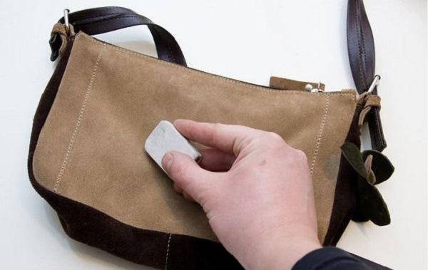 6dc8ab870b06 При чистке особое внимание уделяйте залоснившимся и потёртым местам на сумке  ...