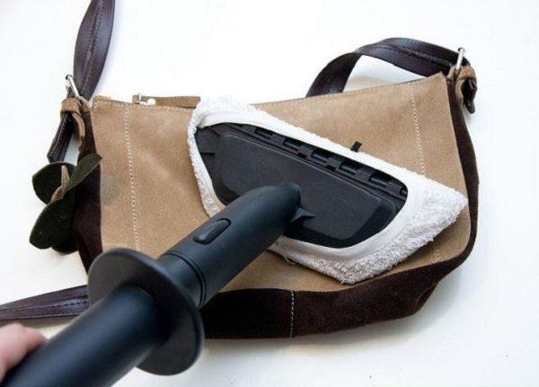 Обработка замшевой сумки паром