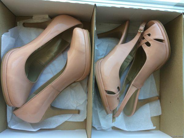 Лаковые туфли в коробке для хранения