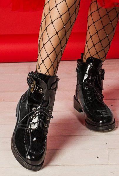 Чёрные лакированные ботинки