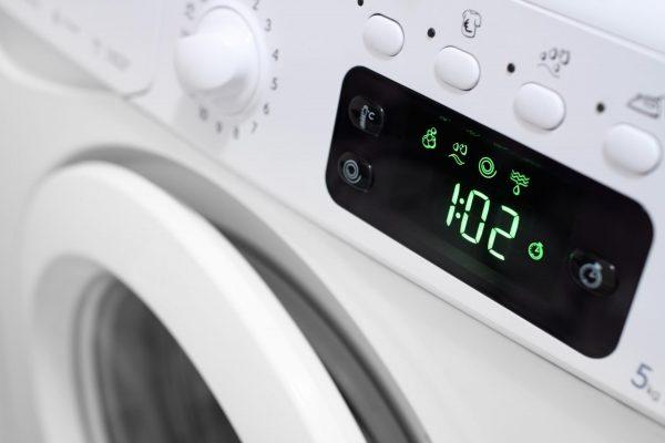 Дисплей на панели стиральной машины