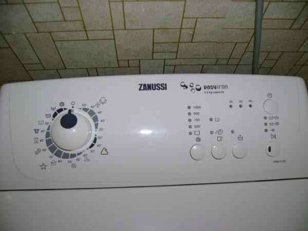 Панель стиральной машины Zanussi