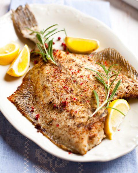 Камбала с лимоном — готовое блюдо