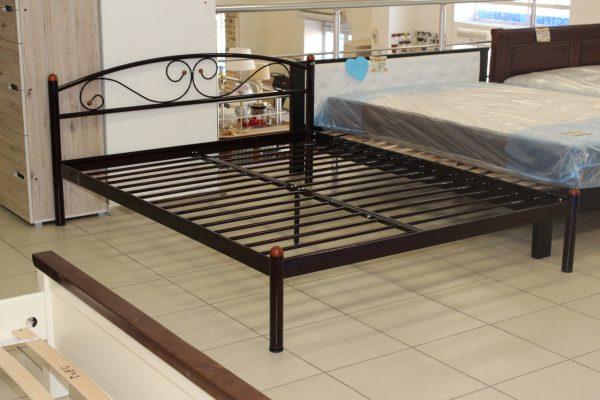 Железное основание кровати