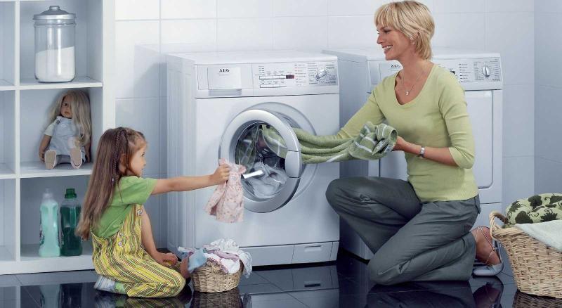 Как очистить вещи, испачканные пластилином: рекомендации и советы