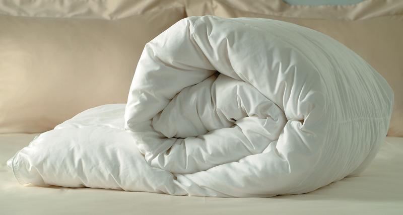 Одеяло из холлофайбера — комфортный сон и в жару, и в холод