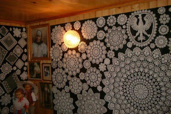 Салфетки на стенах