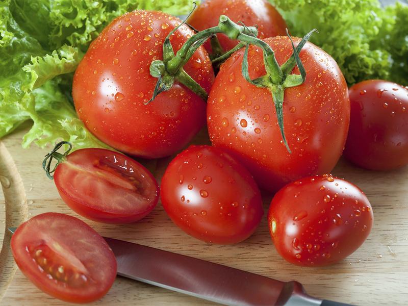 Популярные способы очистки помидоров от кожуры и семян