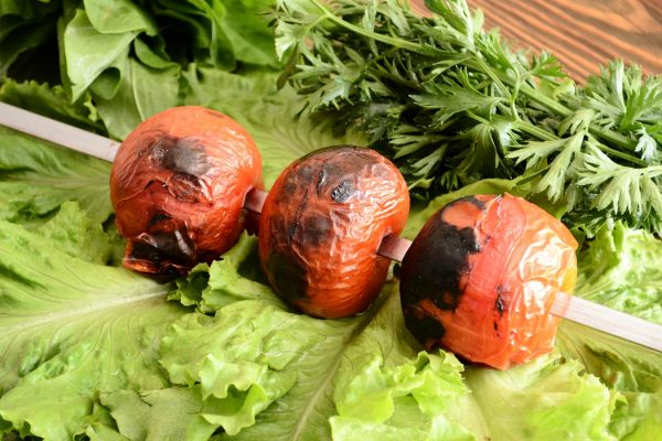 Помидоры на шампуре