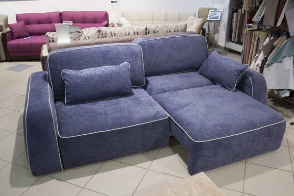 Прямой диван с двумя независимыми блоками