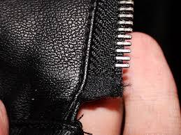 Как отремонтировать молнию на куртке у основания?